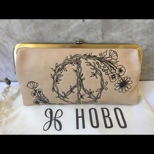 NWT Hobo Lauren Leather Wallet Clutch Cream Ivory